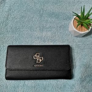 🌺2/$25🌺 Guess Digital Trifold Wallet